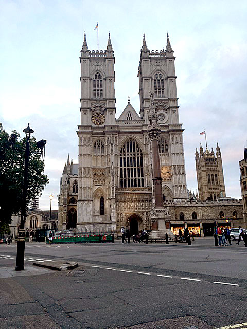 Marking Independence: The Seychelles flag flying from Westminster Abbey